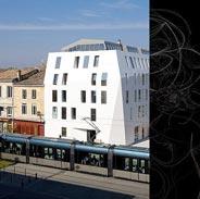 První budova obložená Corianem